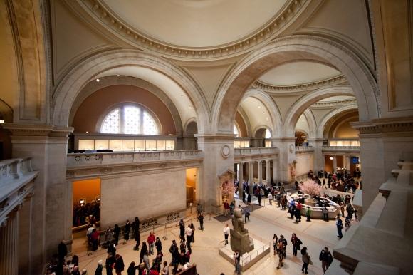 MET_-_The_Great_Hall_-_Metropolitan_Museum_of_Art,_New_York,_NY,_USA_-_2012