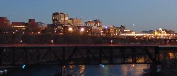 University_of_Minnesota_Twin_Cities_at_night